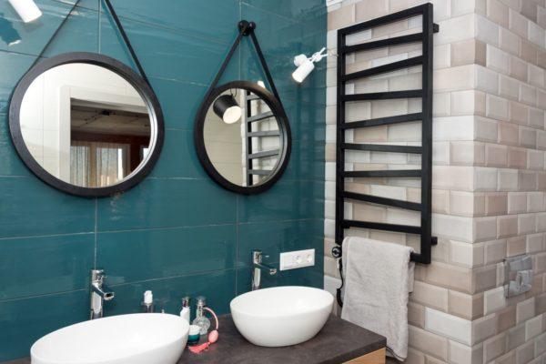 Grzejnik łazienkowy – jeden przedmiot, wiele funkcji